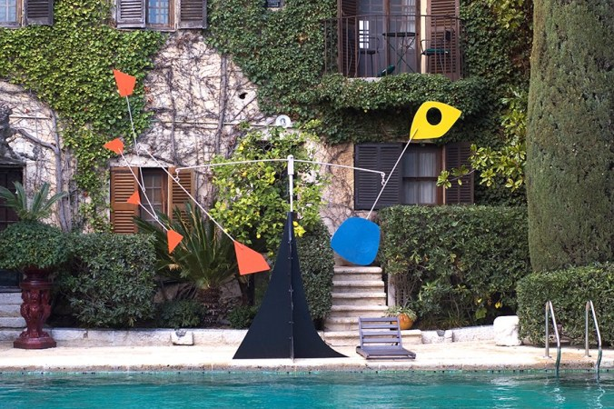 Calder by the POOL