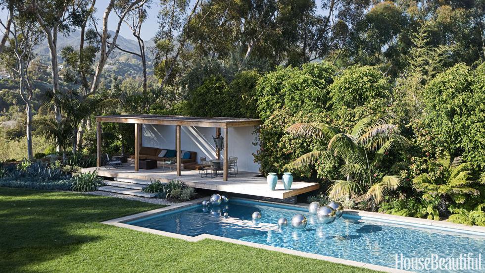 54c0cc42ef996_-_18-hbx-walter-lamb-vintage-patio-furniture-griffith-0608-s2
