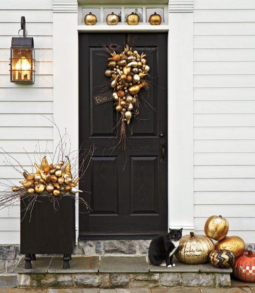 front-door-golden-halloween-decor