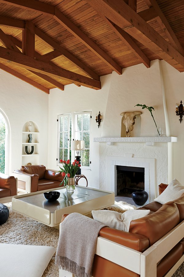 34-best-living-rooms-in-vogue.jpeg
